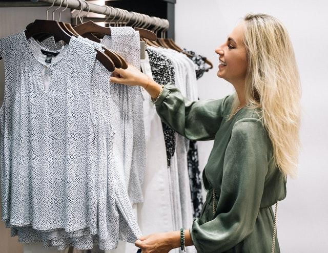 Gdzie sprzedać używane ubrania