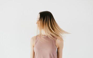 Jak dbać o włosy niskoporowate?